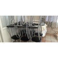 Поставка и сборка стульев