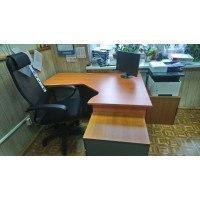 Сборка рабочего места - офисный стол и кресло